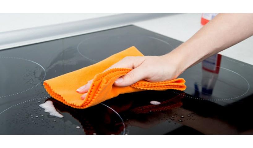 Cách vệ sinh bề mặt bếp từ công nghiệp đơn giản, nhanh chóng